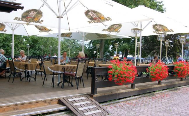 Biergarten | Restaurant zum Holzwurm